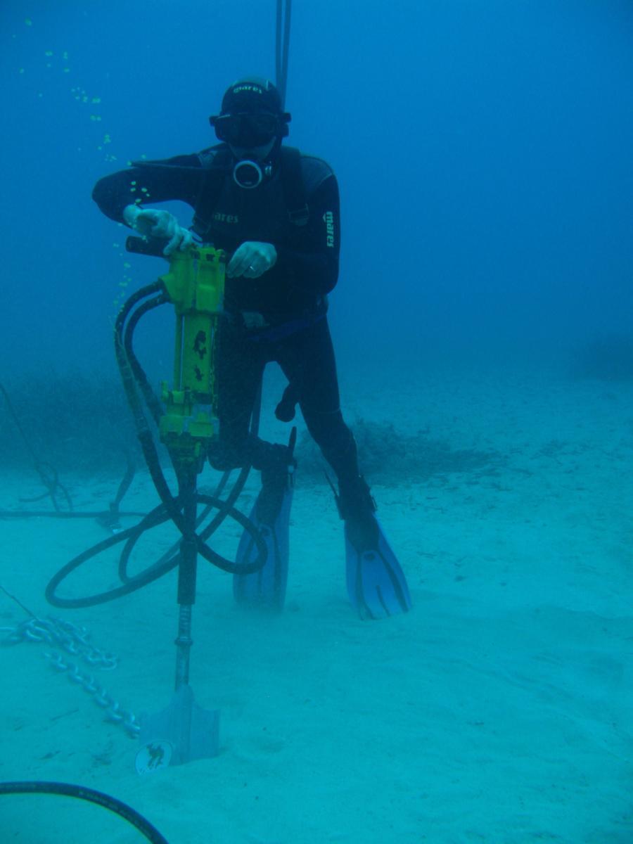 Clicca per ingrandire boe di segnalazione e ancoraggio imbarcazioni natanti ancoraggio per terreni sciolti www.ntanet.it